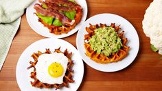 Cauliflower Waffles: These low-carb waffles will become a weekend staple at your house. Low Carb Recipes, Diet Recipes, Cooking Recipes, Healthy Recipes, Healthy Snacks Savory, Clean Eating, Healthy Eating, Low Carb Breakfast, Breakfast Recipes