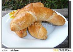 Špaldové rohlíky s kefírem recept - TopRecepty.cz Kefir, Bagel, Sausage, Bread, Baking, Food, Sausages, Brot, Bakken