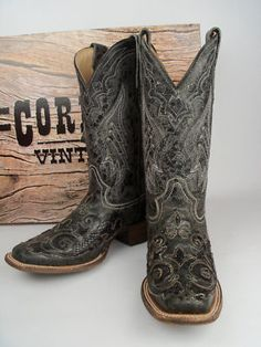 Ladies Corral Boots A2402 Black Python Overlay... I need some black boots