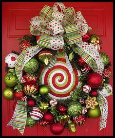 Wreaths: Decorative Door Wreaths, Luxury Christmas Wreaths - Petal Pusher's Home - Maplesville, AL Winter Christmas, All Things Christmas, Christmas Holidays, Christmas Crafts, Christmas Ideas, Christmas Reef, Christmas Glitter, Christmas Door, Xmas