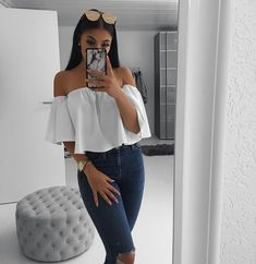 Summer outfits for women, white off the shoulder ruffle blouse with denim jeans. Instagram Outfits, Disney Instagram, Instagram Baddie Outfit, Mode Outfits, Fashion Outfits, Teen Party Outfits, Look Girl, Elegantes Outfit, Cute Casual Outfits