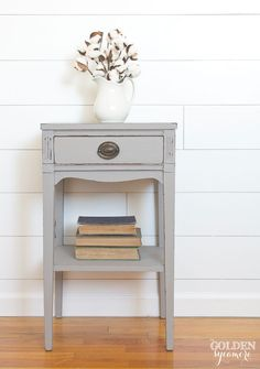 The Gray End Table that Almost Didn't Work Out - The Golden Sycamore I decided to go with a couple coats of Miss Mustard Seed's Milk Paint in Schloss (new European color) which is a beautiful, perfect gray and used bonding agent to help paint adhere. Milk Paint Furniture, Refurbished Furniture, Repurposed Furniture, Furniture Projects, Furniture Makeover, Painted Furniture, Diy Furniture, Gray Distressed Furniture, Distressed End Tables