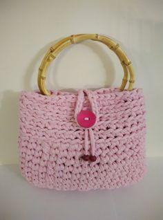crochet t-shirt yarn bag, cute pink with bamboo handles by yrozafcrocheting on Etsy Crochet T Shirts, Yarn Bag, T Shirt Yarn, Cute Pink, Crochet Projects, Straw Bag, Bamboo, Knitting, Creative