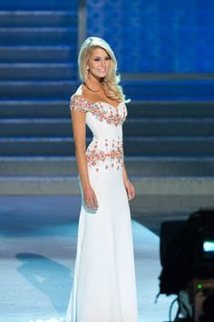 Miss New Jersey competes in swimsuit, evening gown in Miss America ...