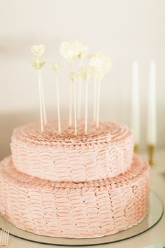 Shop the most beautiful weddingcake decorations at: https://www.weddingdeco.nl/