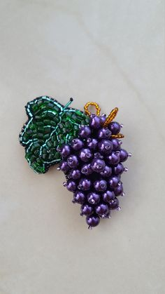 Brooch beaded Grapes - Broche beaded Grapes