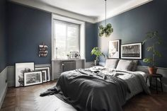 The latest tips and news on Bedroom Decor are on POPSUGAR Home. On POPSUGAR Home you will find everything you need on home décor, garden and Bedroom Decor. Home, Dark Blue Bedrooms, Bedroom Inspirations, Home Bedroom, Bedroom Interior, Minimalist Bedroom, Blue Bedroom Walls, Bedroom Design, Bedroom Diy