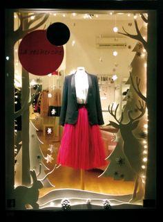 #window #christmaswindow #christmas #larecherche #larecherchemodaearte #larecherchesenigallia #senigallia #italia #deuxnattes  https://deuxnattes.wordpress.com/category/creations/page/2/