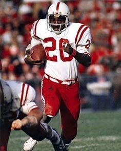 Heisman Winner(1972) College Football Players, Pro Football Teams, Football Helmets, Ncaa College, Football Pictures, Sports Teams, Nebraska Cornhuskers Football, Nebraska Football, Oklahoma Sooners