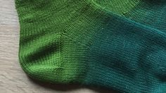 Käppchenferse stricken: Kostenlose Anleitung auf Deutsch, Socken, knitting, knit, socks, free pattern; stricken lernen