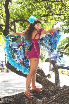 Este post é pra você que ama se produzir no carnaval, mas não se acha jeitosa o suficiente pra criar fantasias únicas sem gastar um zilhão Boomtown Festival Outfits, Butterfly Costume, Coachella, Diy Clothes, Rave, Carnival, Halloween Costumes, Dress Up, Style Inspiration