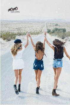 Desert Dreamers ~ Festival 2017 - Strike a pose - Idea - Inspiration - Girls Squad - Team - Photo Best Friends, Best Friend Fotos, Best Friends Shoot, Cute Friends, Cute Friend Poses, Best Friend Pics, Photoshoot With Friends, Photos Bff, Bff Pics