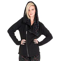 This full-zip PlayStation Symbols Fizz Ladies Angl Hoodie has an oversized cowl hood lined in a pattern that reinterprets the iconic PlayStation symbols. It has a cross body closure that's super-flattering and more interesting than your standard hoodie.