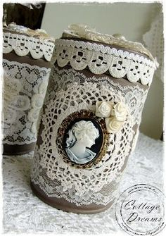 Cottage Dreams: Dosen und Muschelanhänger- croctet/ lace frame with diy clay cameo