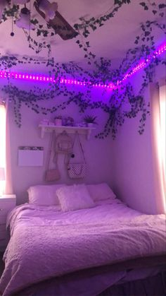 Cozy Small Bedrooms, Stylish Bedroom, Cute Room Ideas, Cute Room Decor, Chambre Indie, Pinterest Room Decor, Bedroom Door Design, Chill Room, Indie Room