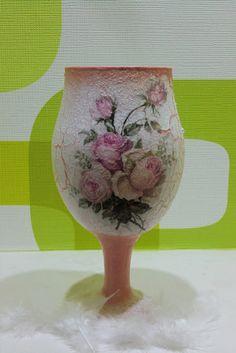 ... Decorative Bottles, Decoupage Ideas, My Favorite Image, Bottle Art, Egg Shells, Diy And Crafts, Vase, Ornaments, Christmas