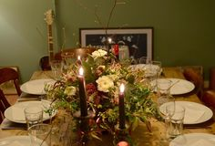 This season really is about simple gatherings of friends and loved ones coupled with easy food and candlelight allowing chat and laughter to fill the darker days - good times!.....(in my humble opinion!!) . #gatherandcurate #underthefloralspell #collectandstyle #anaturalmidwinter #winterflowers #tablescapes #tablecentrepiece #weddingideas #gatheringslikethese #onmytable #tableflowers #candlelightdinner #simplestyling #aquietstyle_flowers #simplepleasures #seekthesimplicity #friendsandflowers…