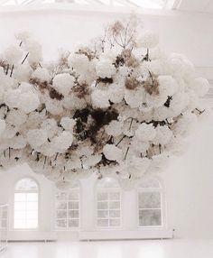 Wedding Trends, Wedding Designs, Wedding Ideas, Floral Wedding, Wedding Flowers, Grand Art, Flower Installation, Arte Floral, Minimalist Decor