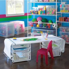 Rj would love this little desk! Must make him one when we're settled in to our own place!