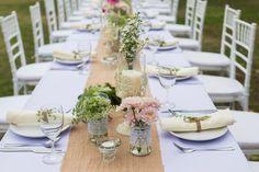 Ideen für die Verwendung von Jute & Spitze bei der Vintage Hochzeit. Foto: TaraPatta / Shutterstock