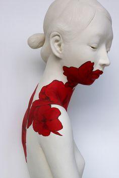 """""""Into the red"""" sculpture Gosia Ceramic Figures, Ceramic Art, Porcelain Ceramic, Art Sculpture, Human Sculpture, Sculpture Ideas, Ceramic Sculptures, Oeuvre D'art, Amazing Art"""
