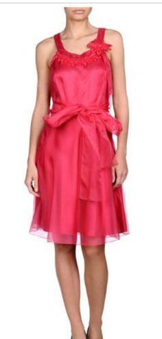 Vestido de seda fucsia, de Hoss Intropia