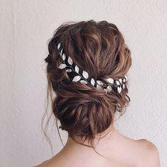 Unique wedding hair ideas to inspire you | fabmood.com #weddinghair #hairideas #hairdo #bridalhair #messyupdo