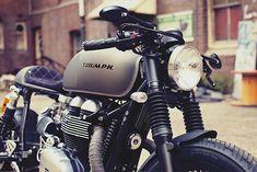 2013 Triumph Thruxton – Mean Machines