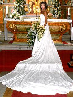 ¡Nuevo vestido publicado!  Diseño propio – T38 ¡por sólo 800€! ¡Ahorra un %!   http://www.weddalia.com/es/tienda-vender-vestido-novia/diseno-propio-t38-3/ #VestidosDeNovia vía www.weddalia.com/es