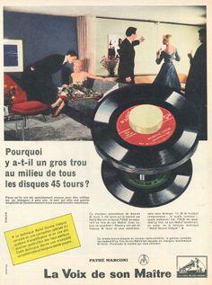 Pourquoi y a-t-il un gros trou au milieu de tous les disques 45 tours? Changeur automatique Pathé Marconi La Voix de son Maître - Paris Match, 8 février 1958