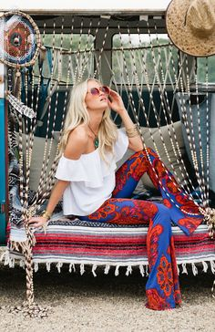 Mumu Beach Club ~ Summer A little wild. on the fence,,, strong colors together. Hippie Chic, Hippie Style, Gypsy Style, Boho Chic, Boho Style, Boho Gypsy, Bohemian Mode, Hippie Bohemian, Hippie Art