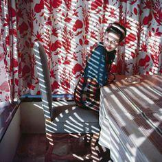 """Exposition """"Lartigue, la vie en couleurs"""" du 24 juin au 23 août 2015 à la MEP.  Photo : Florette. Vence, mai 1954. Photographie J. H. Lartigue © Ministère de la Culture - France / AAJHL"""