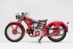 1934 Moto Guzzi V -  Marc Schneider - Pipeburn