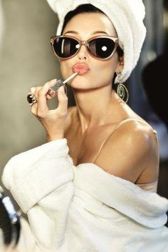 My lipgloss be cool, my lipgloss be poppin.