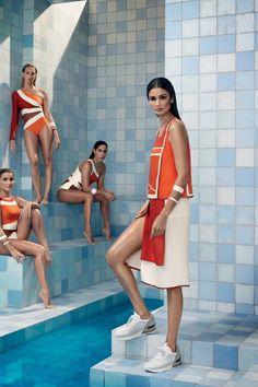 Atletas do nado sincronizado fazem as vezes de modelos para a Vogue