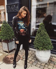 ☼ ☾ british street style inspo black skinny jeans patent shiny leather ankle boots vintage band iron maiden tee t-shirt