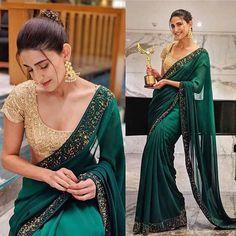 Indian Bridal Lehenga, Indian Beauty Saree, Indian Dresses, Indian Outfits, Indian Clothes, Fancy Sarees, Party Wear Sarees, Indiana, Stylish Blouse Design