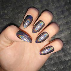 . . . . . . . #holographic #holo #holosexual #manicure #freshnails #nails #nailsofinstagram #nailart #naildesign #diy #shine #glitter #primark #holonails #holographicnails #rainbow #black #budgetbeauty