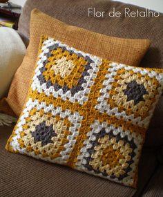 Crochet Cushion Pattern, Crochet Cushion Cover, Crochet Cushions, Crochet Quilt, Granny Square Crochet Pattern, Afghan Crochet Patterns, Crochet Squares, Crochet Home, Knitting Patterns