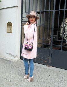 elisa bellino, theladycracy, fashion blogzine, fashion blog milano, outfit of the day, outfit milano, pink coat, hat accessorize, paula cademartori bag, dun dun paula cademartori, petit faye, fall winter paula cademartori, red hair, choies blouse, erica vagliengo, milano bloggers, best fashion blog, giorgio armani, mfw 2015, boselli mario, anna wintour, trends alerts, stivaletto rosa, cappotto pastello, cappotto rosa