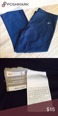 Nike dri fit ankle crop 12-14 large Excellent condition. Ankle length crop. Size 12-14 large Pants Ankle & Cropped