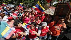 Armario de Noticias: Venezolanos rinden honor a Simón Bolívar a 233 año...