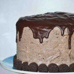 Bakeaholic Mama: Red Velvet Oreo Cake