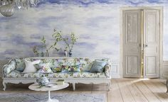 Caprifoglio Wallpaper | Designers Guild, think maybe i could imitate this ...