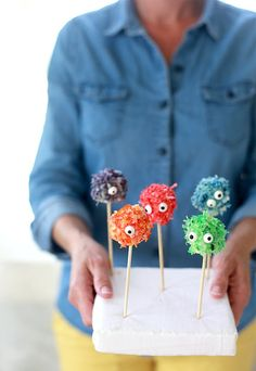 Pin for Later: 119 Creative Indoor Activities For When It's Too Hot to Handle Marshmallow Monsters Inspired by Sesame Street monsters, this edible craft lets kids use their imagination to make their own colorful characters.