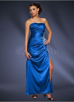 not gona lie i love any dress that is blue