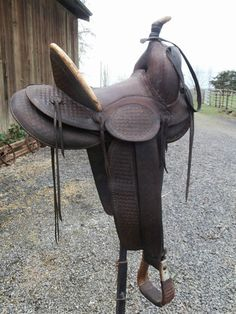 Just lovely! Old Antique E G Noble High Back Cowboy Saddle Early 1900's Horsehair Cinch