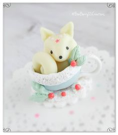 Hey everyone! Here's Winter/Artic Fox! Winter foxes are porb one of my fav animals, they are so beautiful, what's urs? 😍😍😍And of course… Polymer Clay Kawaii, Foxes, Winter, Artist, Animals, Beautiful, Instagram, Winter Time, Animales