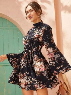 Laço aberto volta auto com cinto vestido estampado floral | SHEIN Brasil