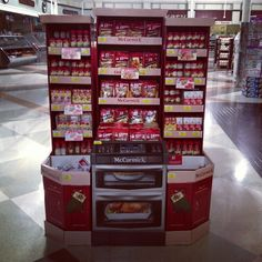 Love these holiday baking displays by @McCormick Spice!